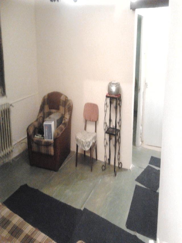 Vanzare apartament 2 camere BERCENI - Uioara