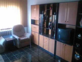 Particular inchiriez apartament 2 camere Faleza Nord