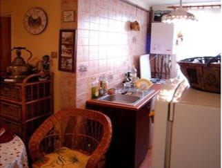 Proprietar vand apartament 3 camere Berceni - Covasna