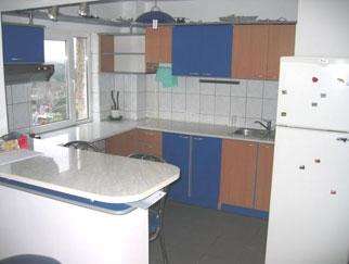 Inchiriez apartament 3 camere Metrou BRANCOVEANU