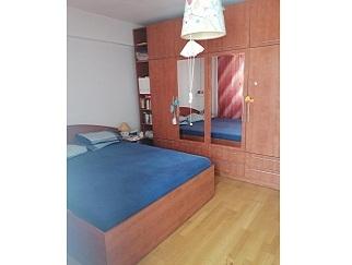 Vanzare apartament 3 camere Doi Cocosi Straulesti