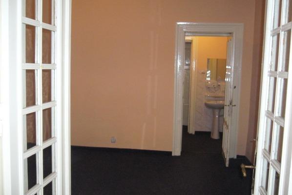 INCHIRIERE apartament 4 camere MOSILOR la Carol