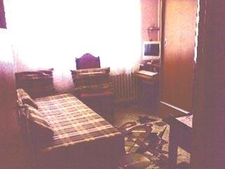 Vanzare apartament BERCENI zona LAMOTESTI 3 camere