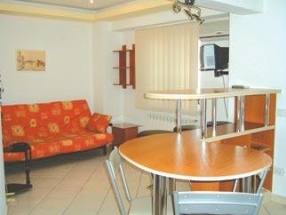 Apartament decomandat de inchiriat SPLAIUL UNIRII (Camera de Comert)