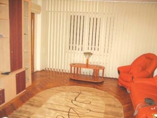 Inchiriere apartament 3 camere decomandat zona CALARASI