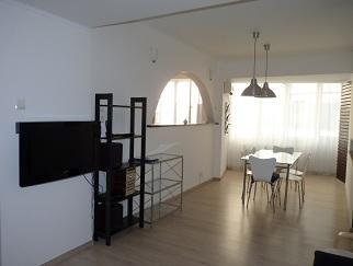 Particular inchiriez apartament de lux langa Sala Palatului