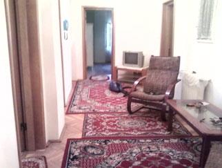 Vanzare apartament 5 camere in vila DRUMUL SARII