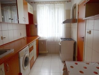 Vanzare apartament 3 camere Complex Huedin, de la particular