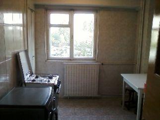 Vanzare apartament 3 camere Basarabia, Costin Georgian, cartier TITAN