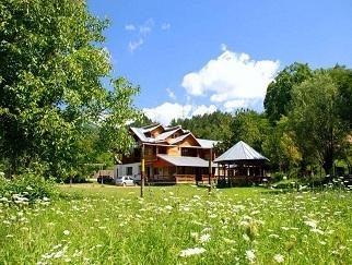 Particular ofer cazare in vila Brasov