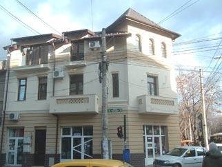 Vila stil neo-romanesc