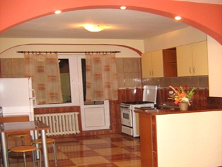 Vanzare apartament 3 camere la DRISTOR