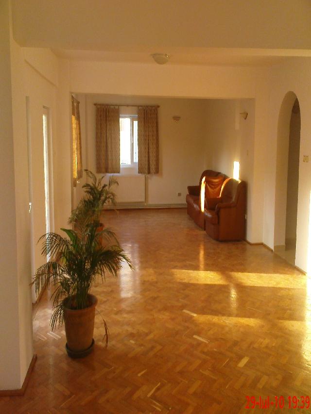Vanzare apartament 5 camere IANCU NICOLAE