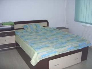 INCHIRIERE apartament 3 camere DRISTOR (la 3 minute de metrou)