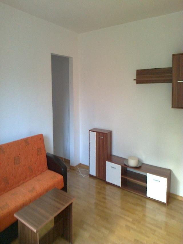 Inchiriere apartament 3 camere DRUMUL TABEREI (Valea Ialomitei)