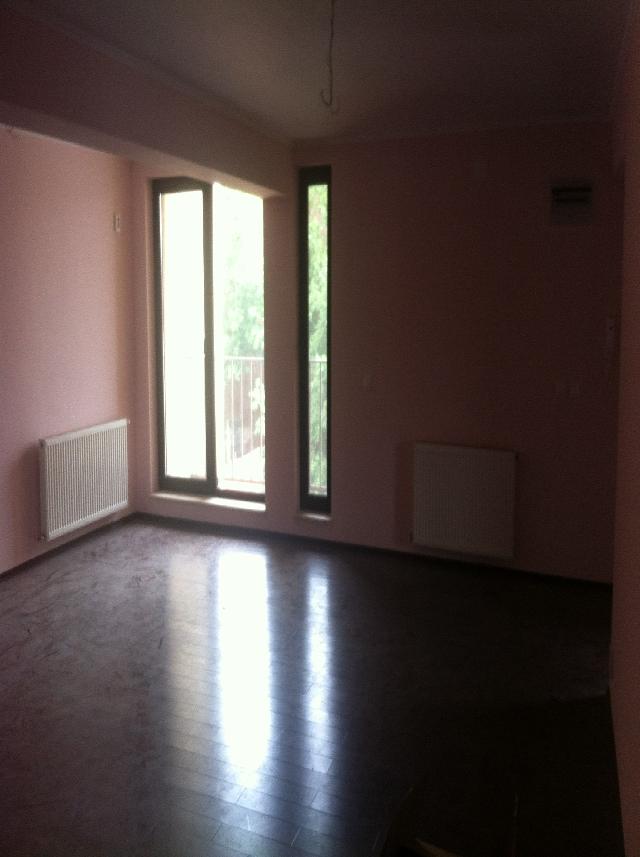 Inchiriere apartament 3 camere MOSILOR (adiacent)