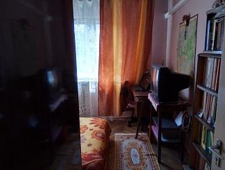 Particular inchiriez ultracentral Craiova camera in apartament de 4 camere