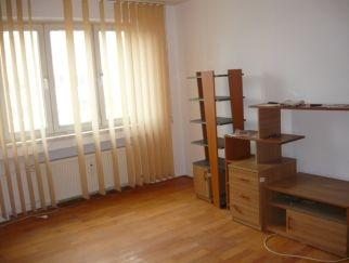 Apartament 4 camere de vanzare Drumul Taberei zona Romancierilor