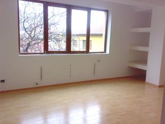 Vanzari apartamente de 3 camere zona JIULUI