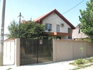 ANDRONACHE (Stefanesti) vila de inchiriat